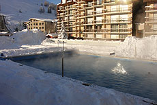 piscina scaldata aperto les deux alpes