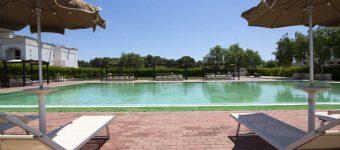 villaggio-residence-castellaneta-con-piscina
